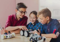 Is Robotics Good For Kids and How Do You Explain Robot to a Child?