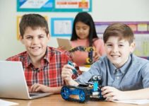 Top 10 Amazing Reasons Why to Teach Robotics in Schools To Kids