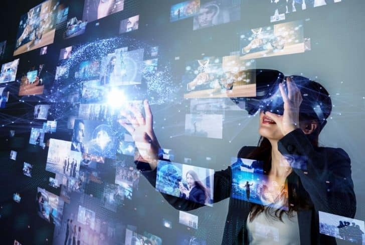 Women enjoying Virtual Reality