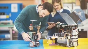 creating-robots-in-lab